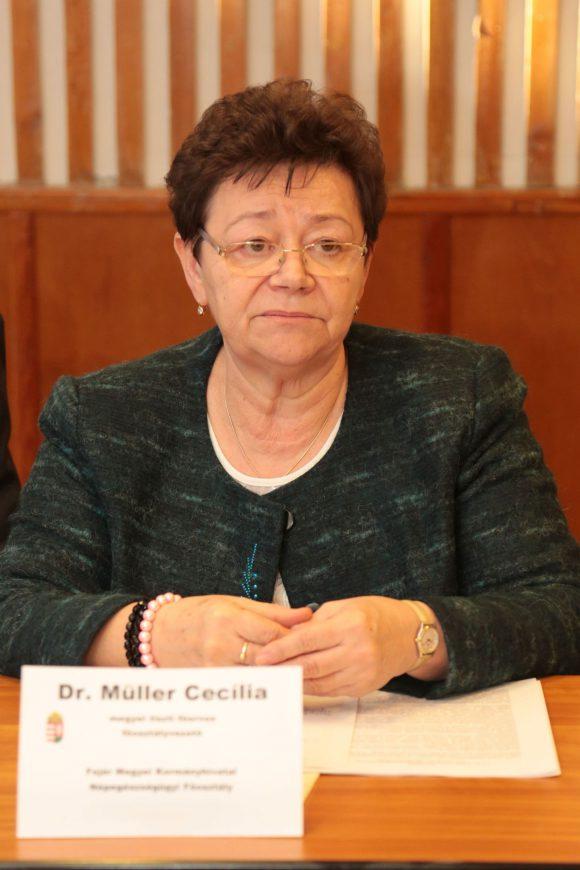 Dr. Müller Cecília megyei tisztifőorvos